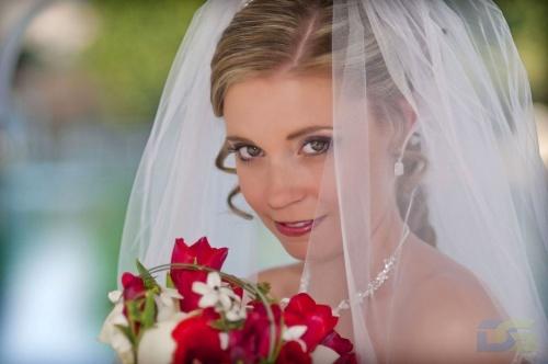 Фотография красавици невесты
